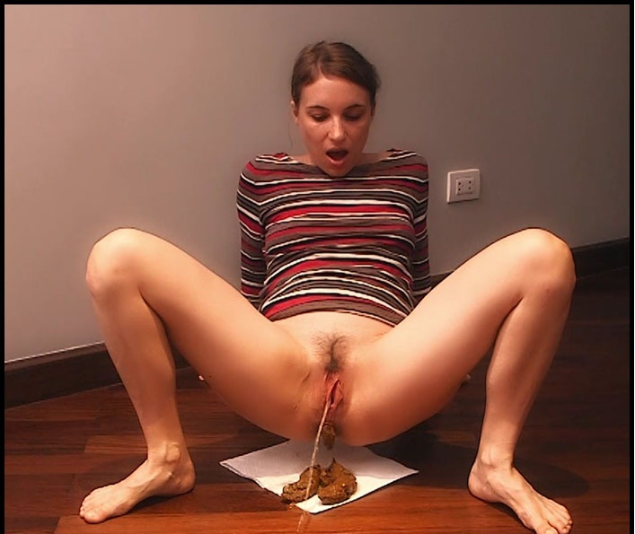 LittleMissKinky - Watch Your Godess Messing Up The Floor - Poopping - Shitting, Solo [FullHD 1080p]