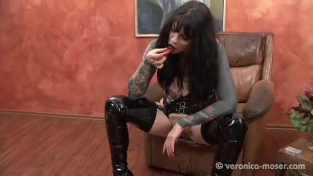 Veronica Moser - The Bitch 3 - Scat Humiliation - Femdom Scat, Shitting [SD]