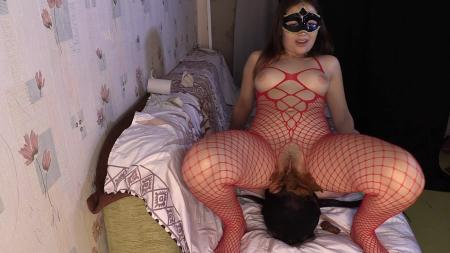 Princess Mia - Princess Mia Scat Piss Facesitting suffocationchoke booty - Femdom Scat - Domination Scat [FullHD 1080p]