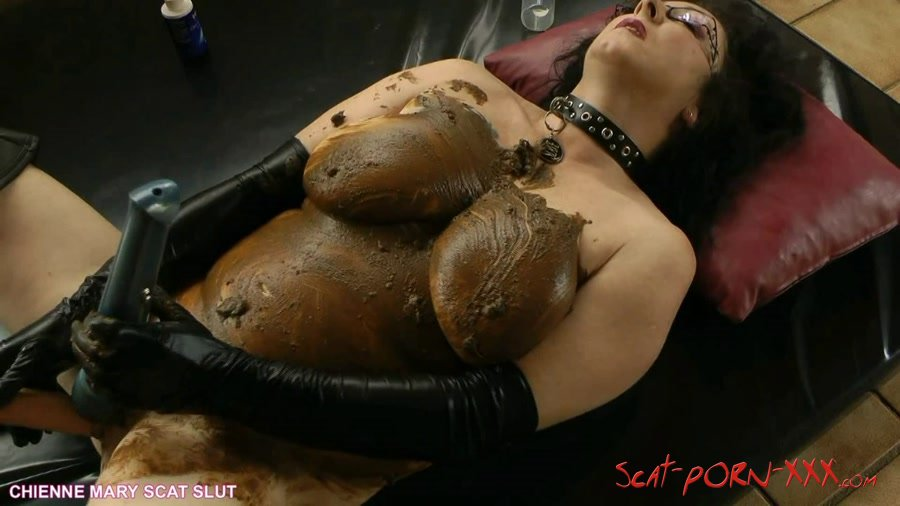 Scat Clip Chienne Mary - Boots and gloves scat masturbation ...