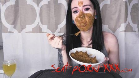 DirtyBetty - Real Scat Breakfast - Solo Scat - Eating, Teen [FullHD 1080p]