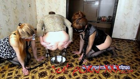 ModelNatalya94 - Carolina has two slaves on a leash - Scatting Girl - Amateur, Lesbians [FullHD 1080p]